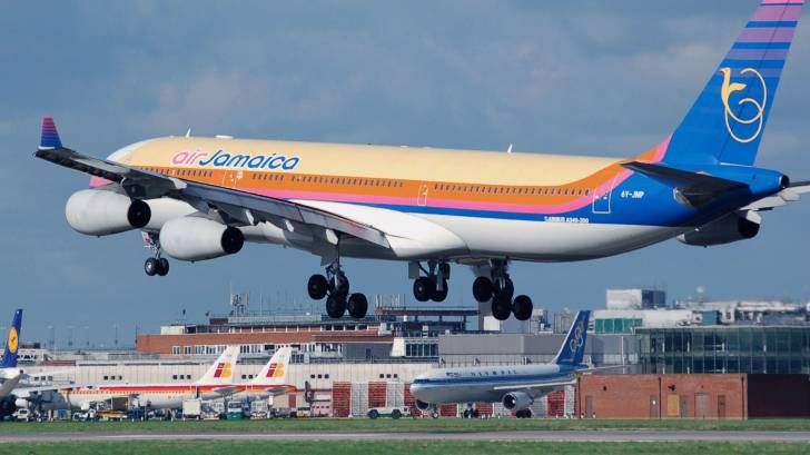 Jamaica airlines landing