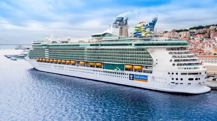 royal caribbean ship at port