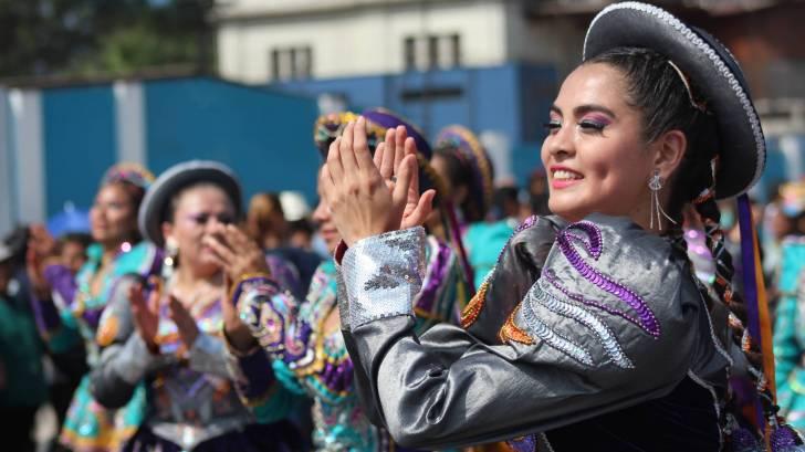 peru dancers celebrating