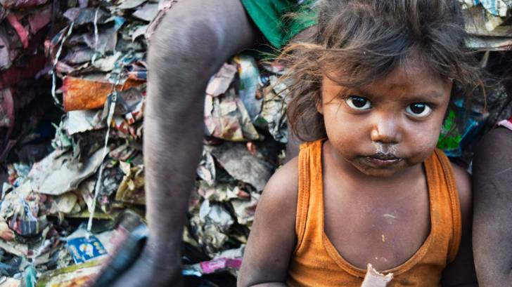 child in poverty conditions