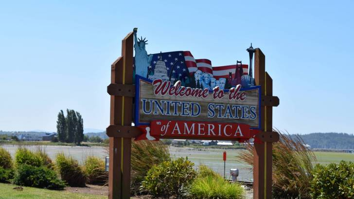 welcome to US sign