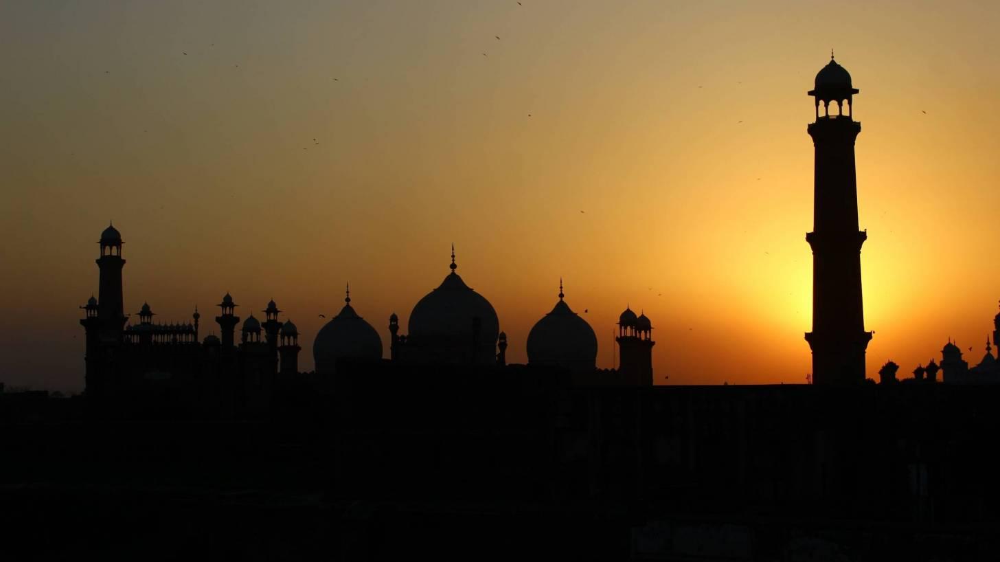 pakistan fort in the sun set