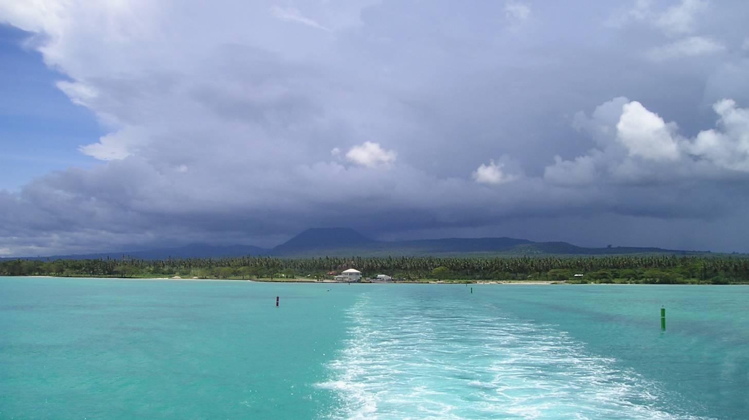pacific ocean deep blue