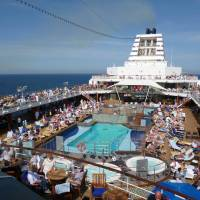 crowded cruise ship pool